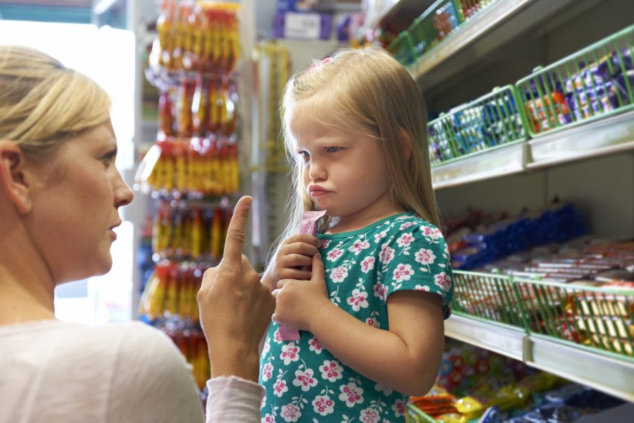 детские истерики в магазине